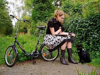 bike-book-girl1